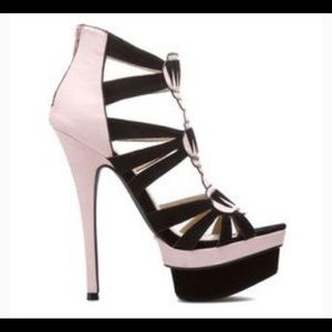 Sally by Shoedazzle Pink and Black heel